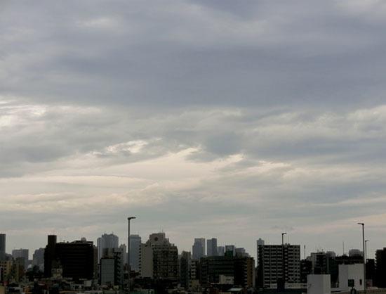 夕刻の梅雨空_b0255303_17001025.jpg