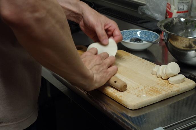 餃子を作る_e0271409_22351748.jpeg