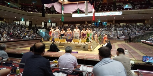 オンラインお見合いホストの後は大相撲観戦に!!_b0255217_19235181.jpg