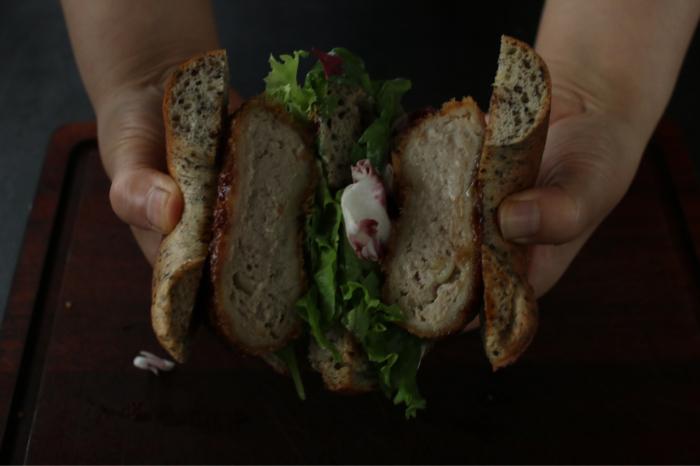 8月のマンゴーベーグルと胡麻豆乳ベーグル。完成はみなさんが食べるとき。_c0162653_15240263.jpg