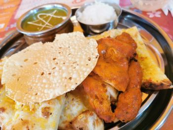 スンダル マハール インド料理_a0007462_15090009.jpg