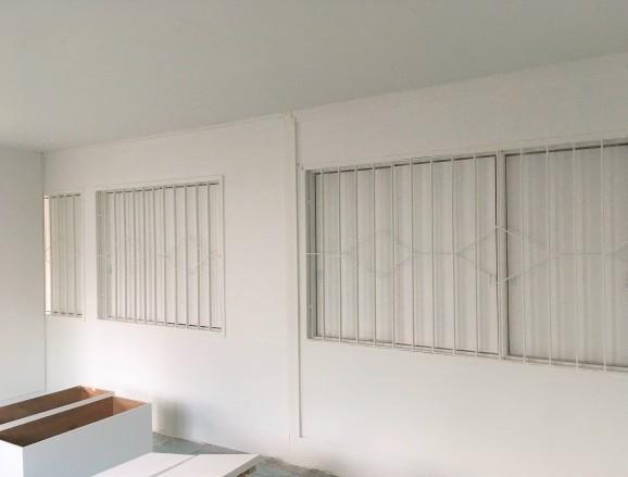 アトリエの中の白い部屋_a0200214_17560723.jpg