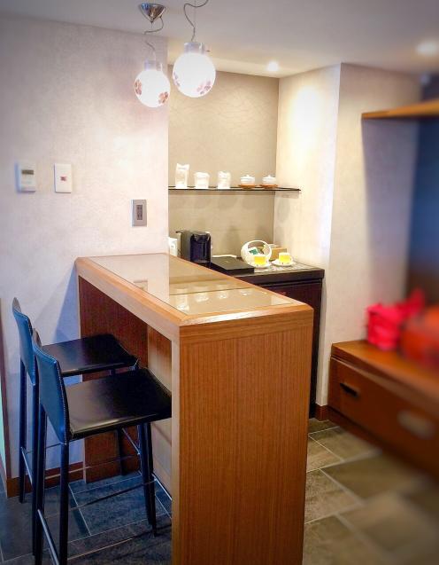 ホテルアナガ 淡路島 バーカウンターのある部屋_e0374912_15031739.jpg