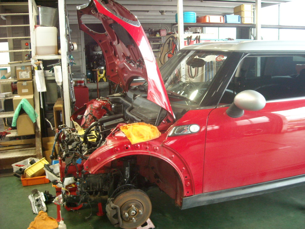 BMW ミニの修理_c0199873_10014544.jpg