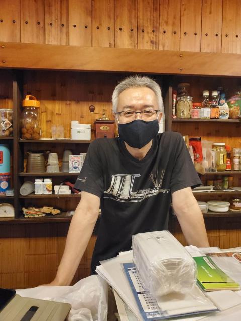 京都から中学同級女子がやってきて「猫町文庫」でランチ。_a0334793_21264131.jpg