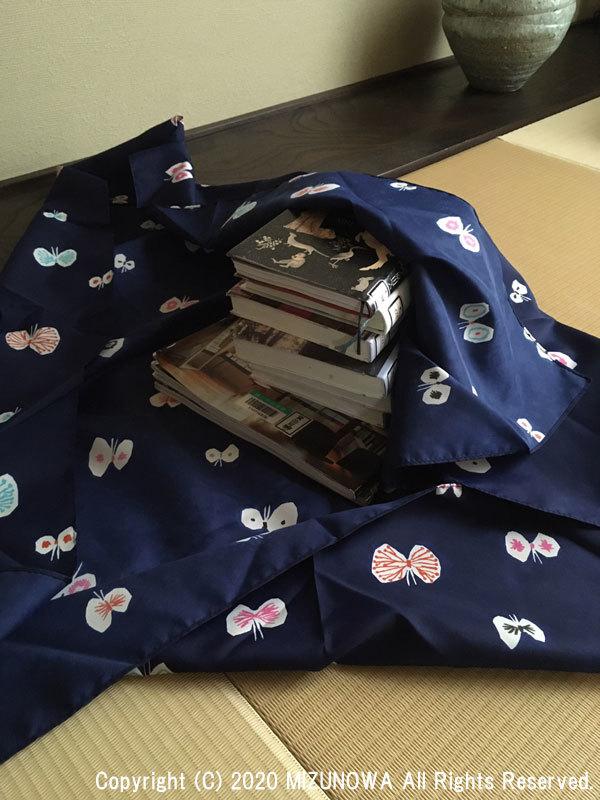 雨と、本と、風呂敷。_d0255366_21454576.jpg