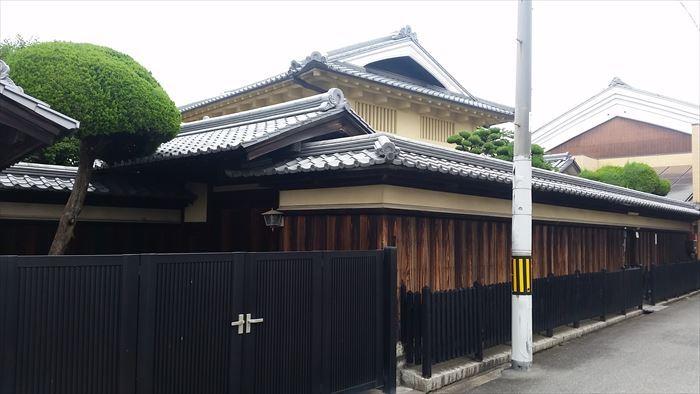 桃谷・彌栄神社門前の町並み_f0139570_18200434.jpg