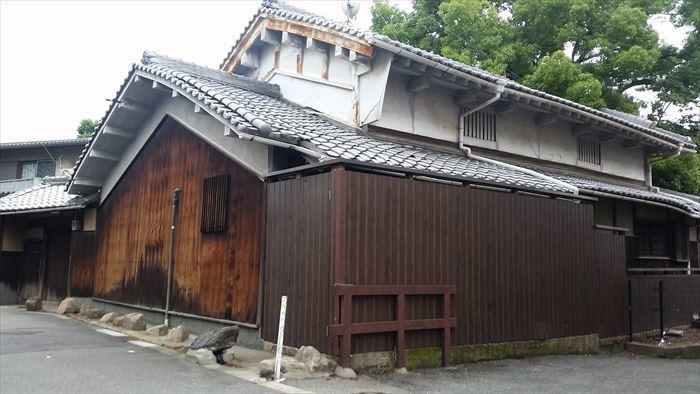 桃谷・彌栄神社門前の町並み_f0139570_18203140.jpg