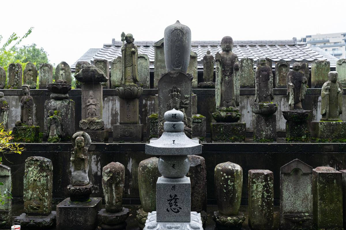 神社と寺_a0261169_18275898.jpg