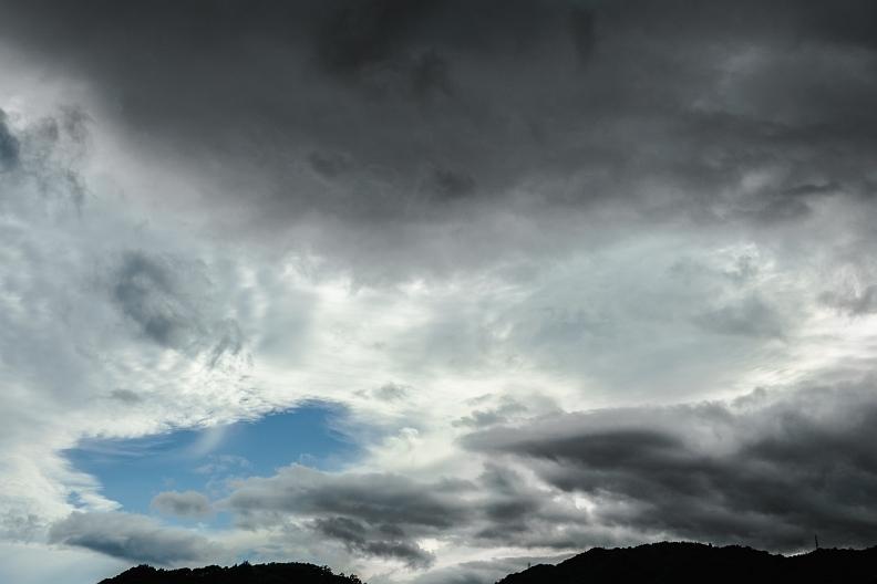 梅雨明けはまだかいな_f0189086_19482963.jpg