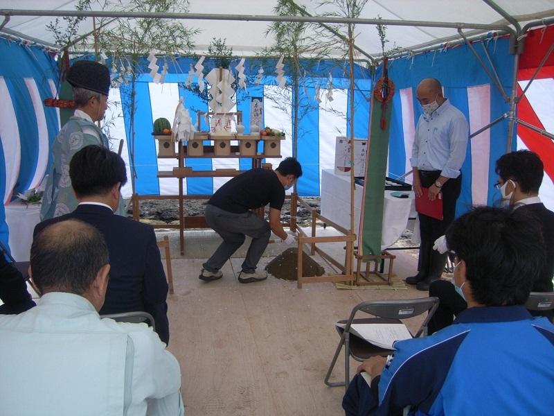 しいたけ栽培施設工事の地鎮祭が行われました_e0341538_15592448.jpg