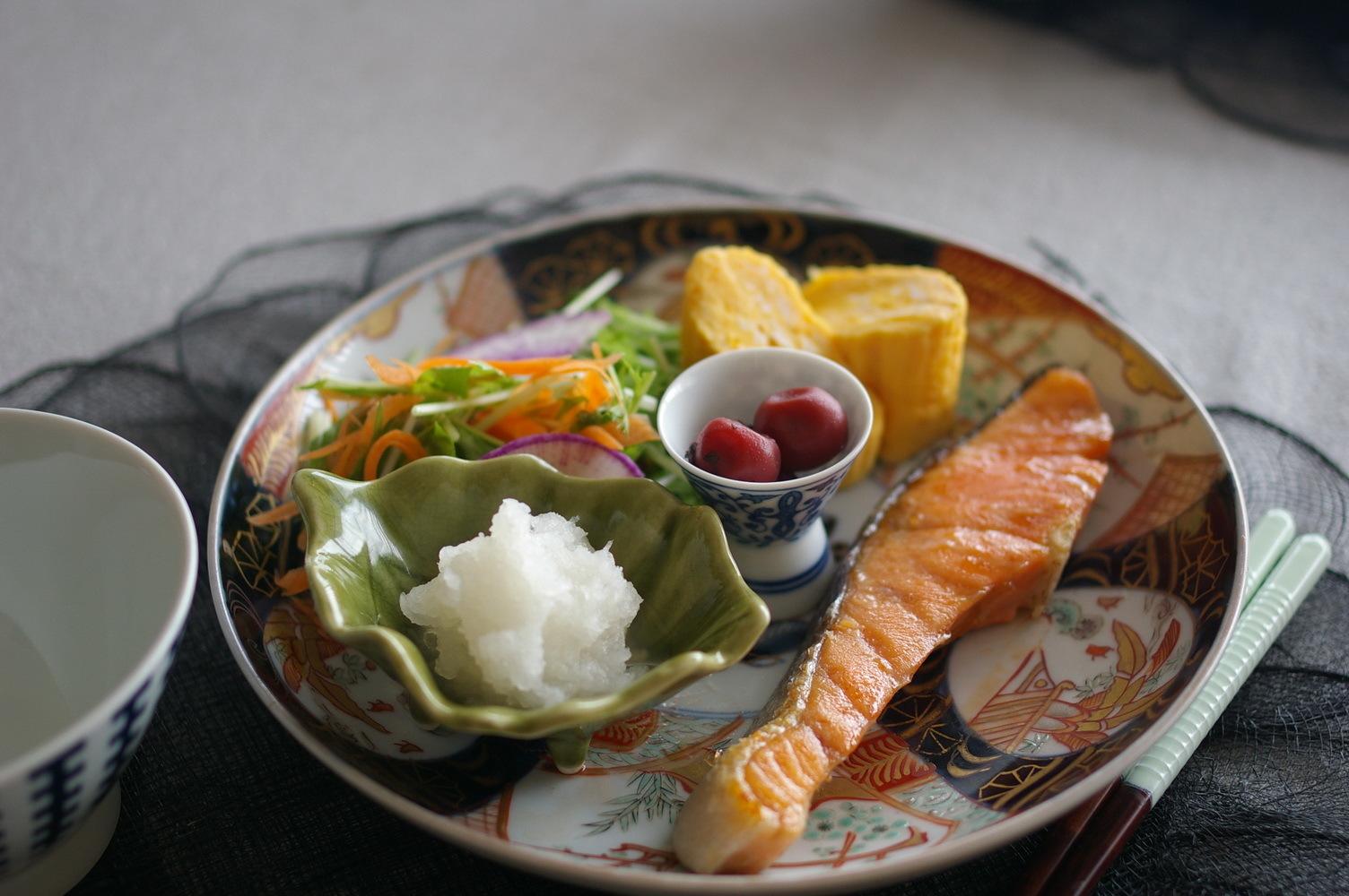 朝食のような塩鮭ランチ_d0327373_11270460.jpg