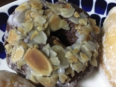 大好きなミサキドーナツとレーズン食パン_f0231189_23141060.jpg