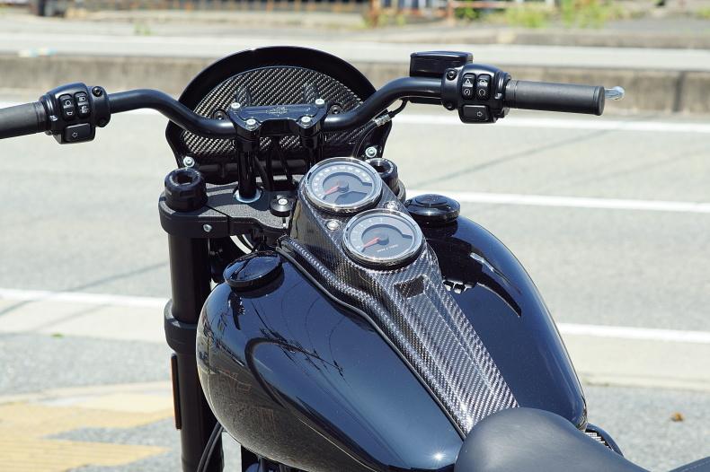 M8 ローライダーS専用 カーボンパーツ製作中_e0127304_10505201.jpg