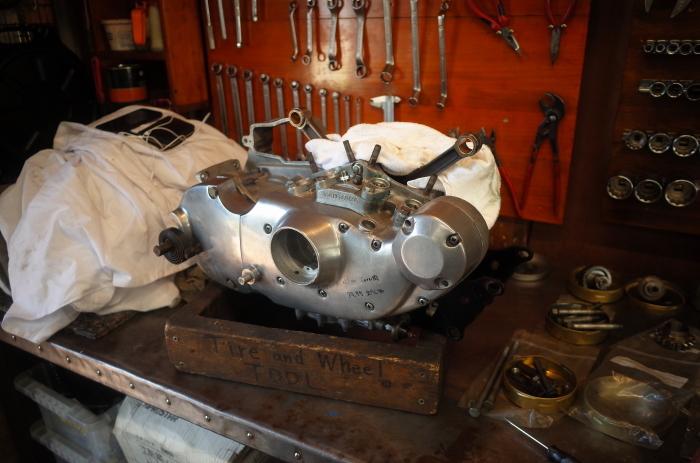 1972 XLH 1000 オイルポンプ組付け・キック回り組付け・エンジン搭載_a0248662_08163660.jpg