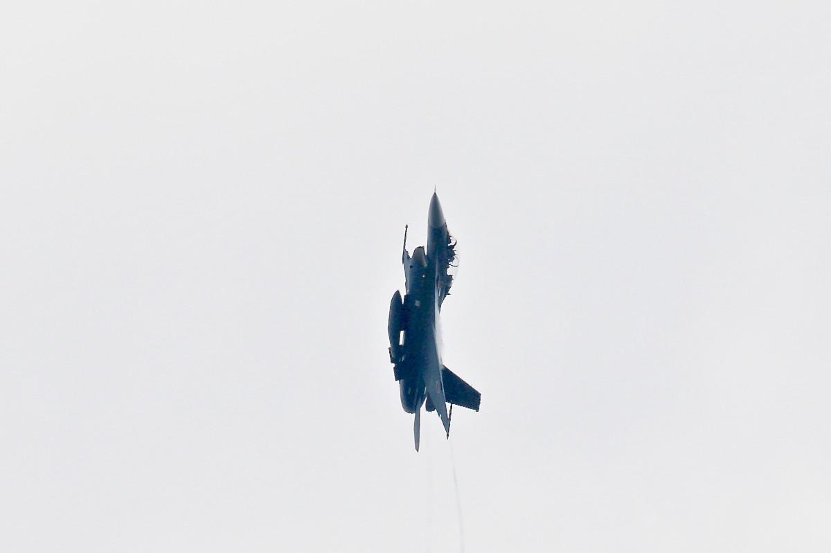 思い出シリーズその⑫・・・F-2B 戦闘機_e0071967_1847426.jpg