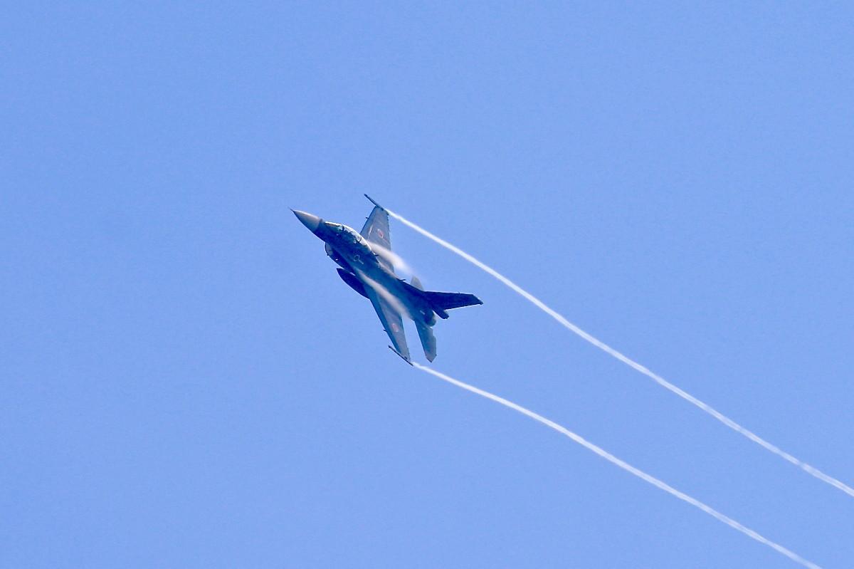 思い出シリーズその⑫・・・F-2B 戦闘機_e0071967_18474884.jpg