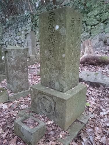 長崎市にある薩摩人の墓地_b0039825_17182310.jpg