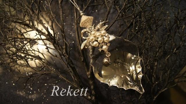 エレガントな花刺繍がポイントのおしゃれなバックです~❤_f0029571_00344434.jpg