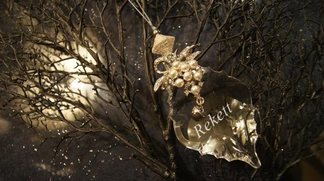 エレガントな花刺繍がポイントのおしゃれなバックです~❤_f0029571_00350521.jpg