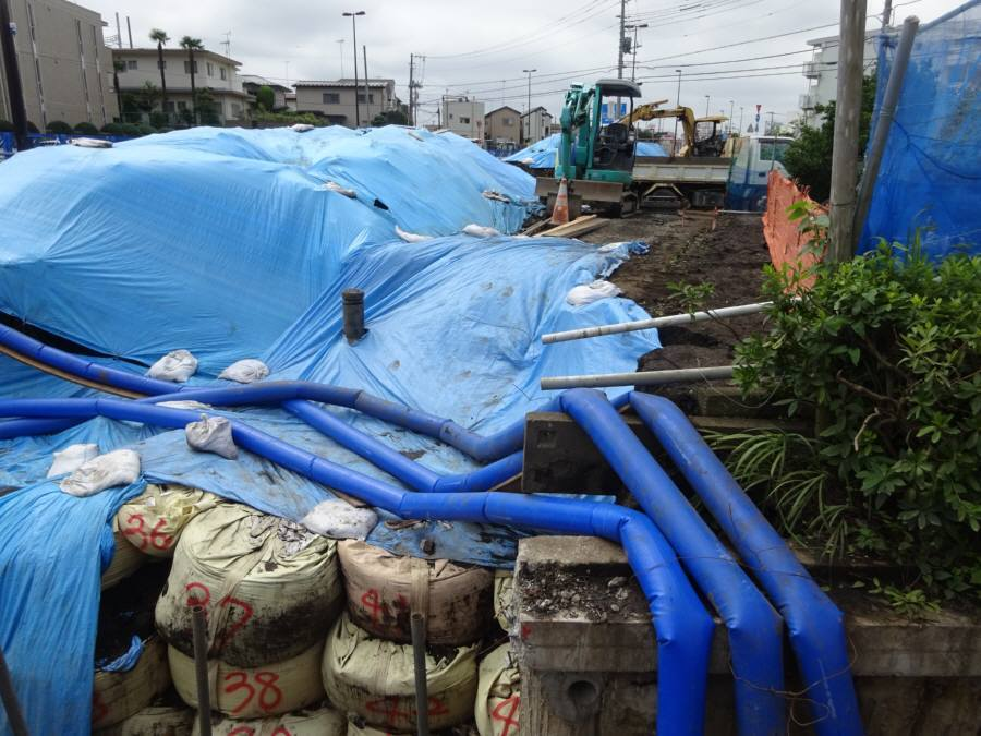 西東京市内の漏水事故(7月9日)現場_f0059673_15035514.jpg