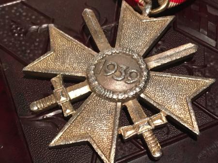 ナチスドイツ 二級剣付戦功十字章。_a0154482_21093642.jpg