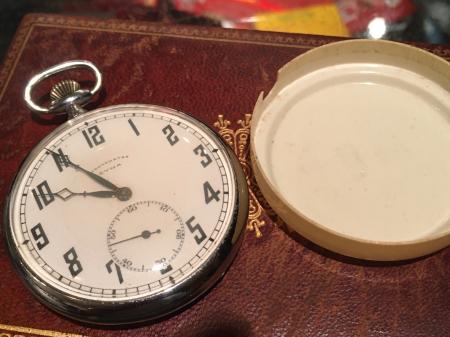 戦前提時計・CYMA製。_a0154482_22083480.jpg