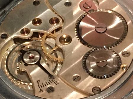 戦前提時計・CYMA製。_a0154482_22084061.jpg