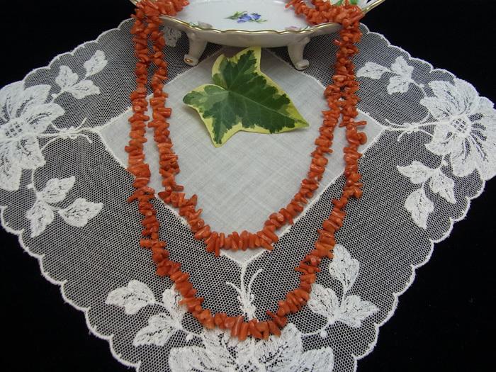 珊瑚のロング・ネックレス_d0127182_14135598.jpg
