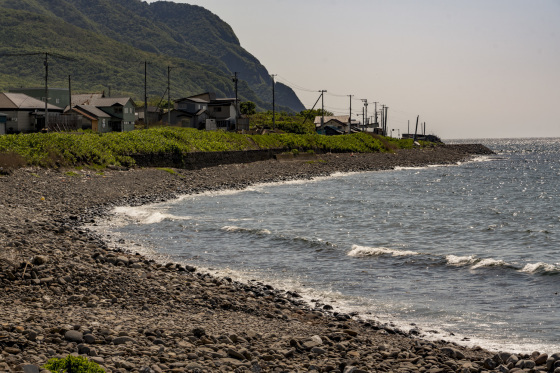北海道積丹半島「泊原子力発電所が見える浜辺」_a0096313_16243087.jpg