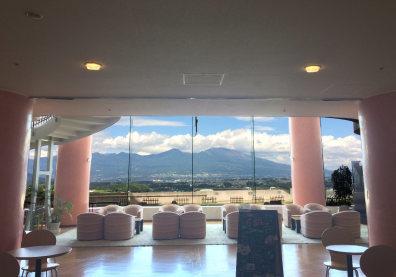 浅間山を眺めながらお食事ができるレストラン!_d0035921_20064044.jpg