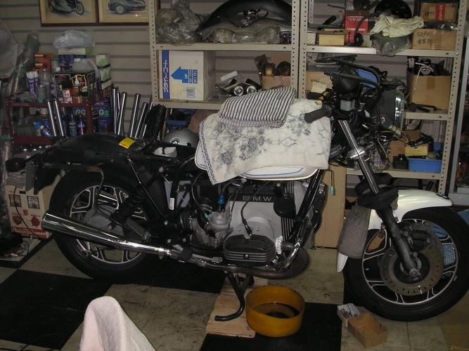 BMW R100RS   フロントカウルの変更⇒イモラtypeへ_e0218639_10170697.jpg