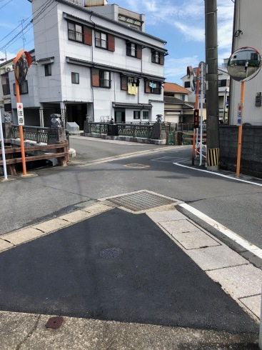 歩きやすい安全な道_c0052876_13243527.jpg