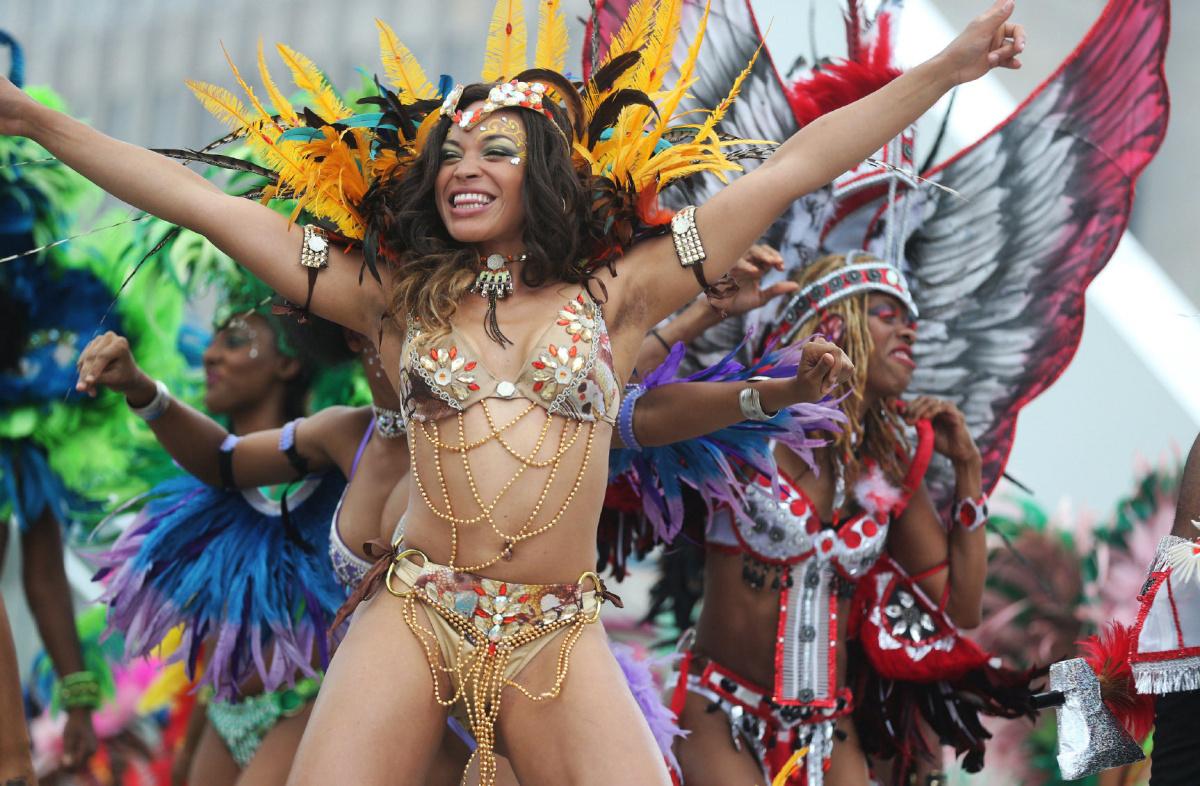 今年のカリビアンパレードは バーチャル フェスティバル。_f0293042_10443284.jpg