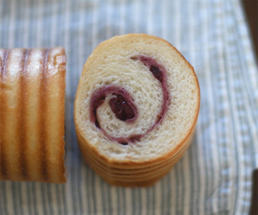 クランベリーのくるくるパン_c0196673_15362455.jpeg