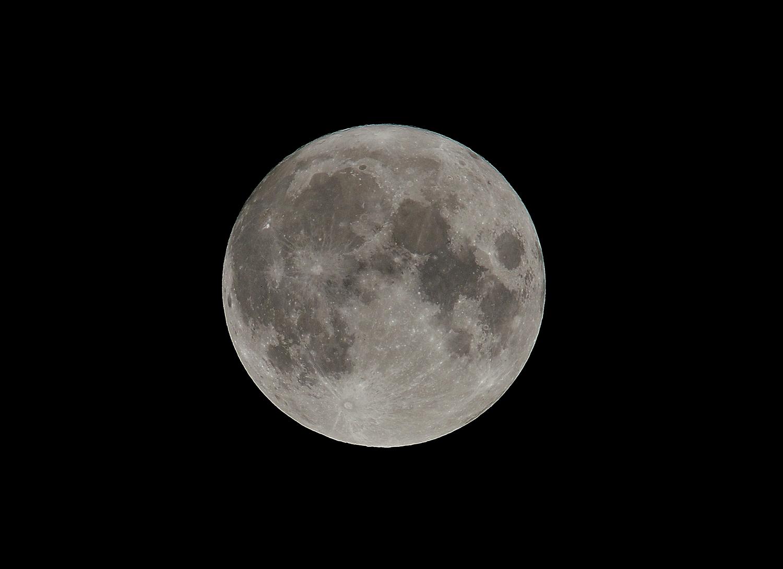 みずがめ座の満月!_e0362696_00460562.jpg