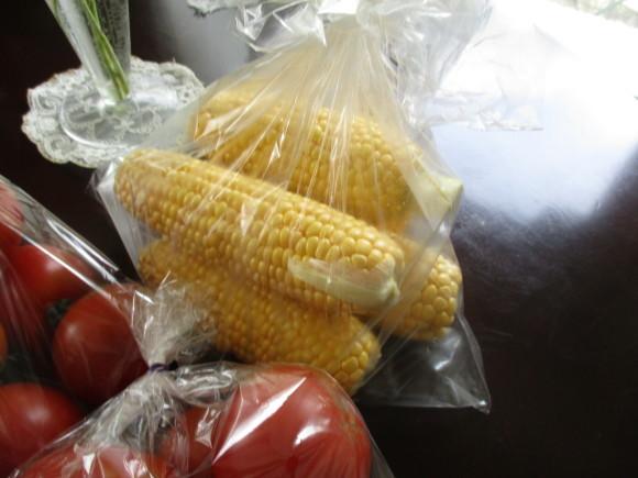 今年最後のトマト買い出しツア~&デンスケ西瓜を戴いた~~(^^♪_a0279743_14375928.jpg