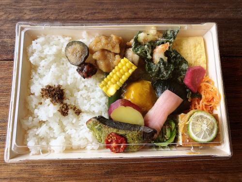 食堂カフェ ヒトトノ_e0292546_15004491.jpg