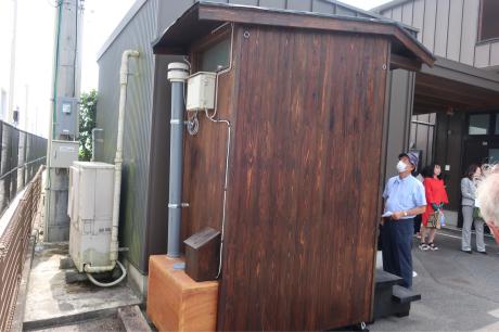 自己完結型トイレ!_a0077071_17262049.jpg