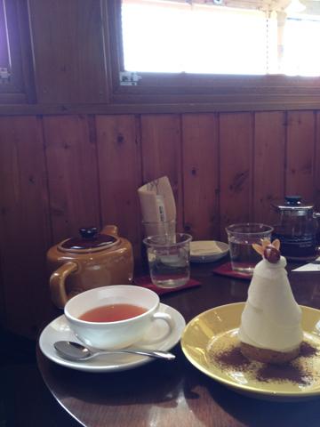 A l\'heure du thé au bord du lac :  湖畔のお茶のじかん_f0038600_23320786.jpg