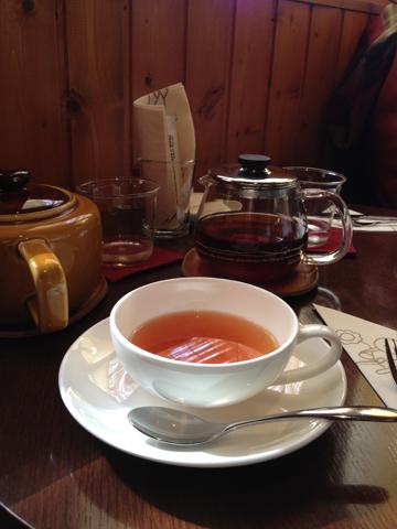 A l\'heure du thé au bord du lac :  湖畔のお茶のじかん_f0038600_23373444.jpg
