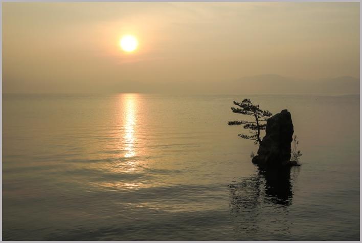 梅雨明けの猪苗代湖。_a0123239_10465167.jpg