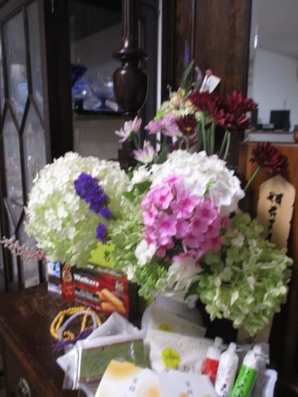 お盆のお参りの日&桃が届いた_a0279743_09410997.jpg
