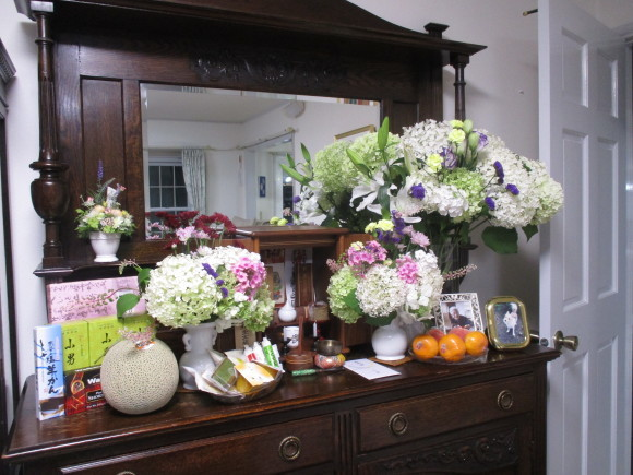 お盆のお参りの日&桃が届いた_a0279743_09414019.jpg