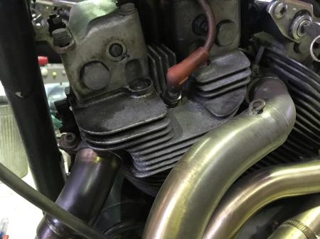 XR1000ロッカーシャフト折れ修理開始 8/7/2020_c0133351_18190031.jpg