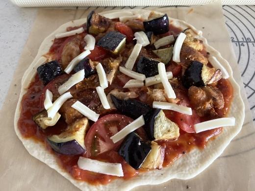 タンドリーチキンと米茄子のピザ_d0327373_12312457.jpeg