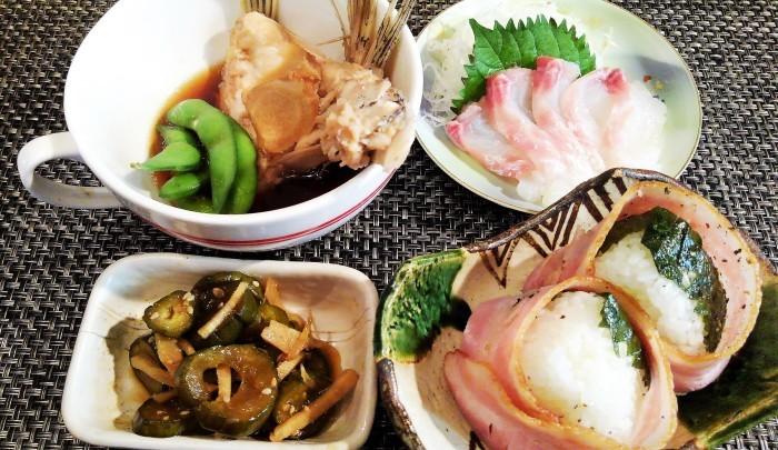 ■昼ご飯【ベーコン・大葉漬物巻きおにぎりと おかずはお隣さんからの差し入れです♪】_b0033423_15220031.jpg