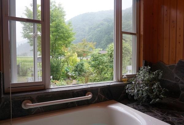 お風呂場で、_e0365880_10523989.jpg