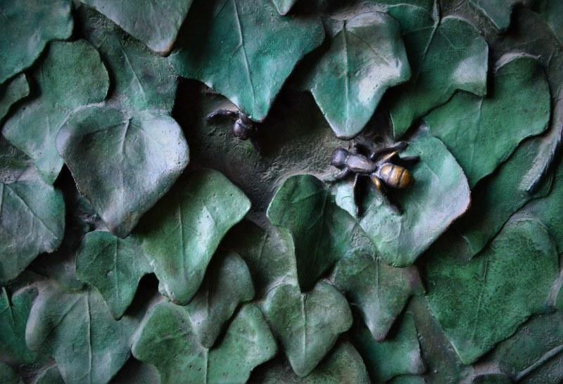 ガウディのブロンズ~ヤモリと昆虫たち_c0067690_04552488.jpg