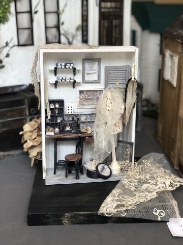 「こんなお家に住んでみたい♡」村田美穂ちゃんの「紙バントで楽しくミニチュアハウス」の出版記念作品展に行ってきました@表参道ギャラリーニイク_a0157409_14215094.jpeg